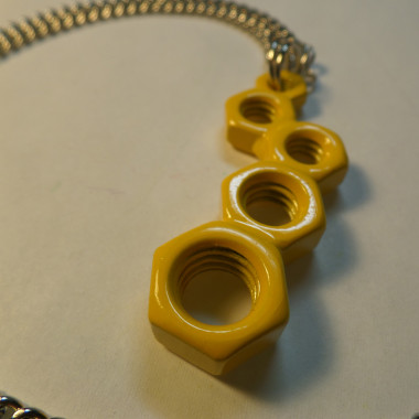 Offset Utopia Necklace – Honeycomb Yellow – 5 Count