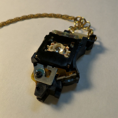 Dark Light Necklace – Laser Reader – Old Gold